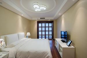 公寓三居室